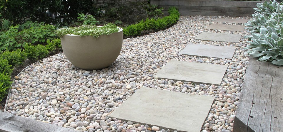 Paving slabs in stones